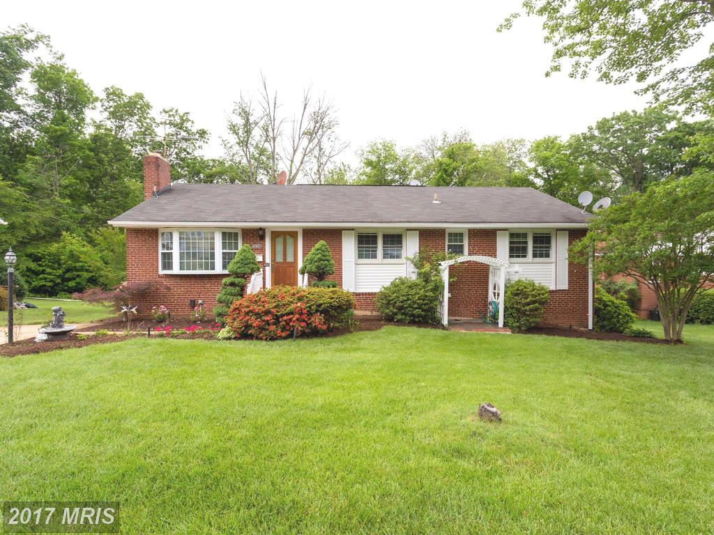 Spacious and light filled split level Home Located at Ravensworth In Fairfax County thumbnail