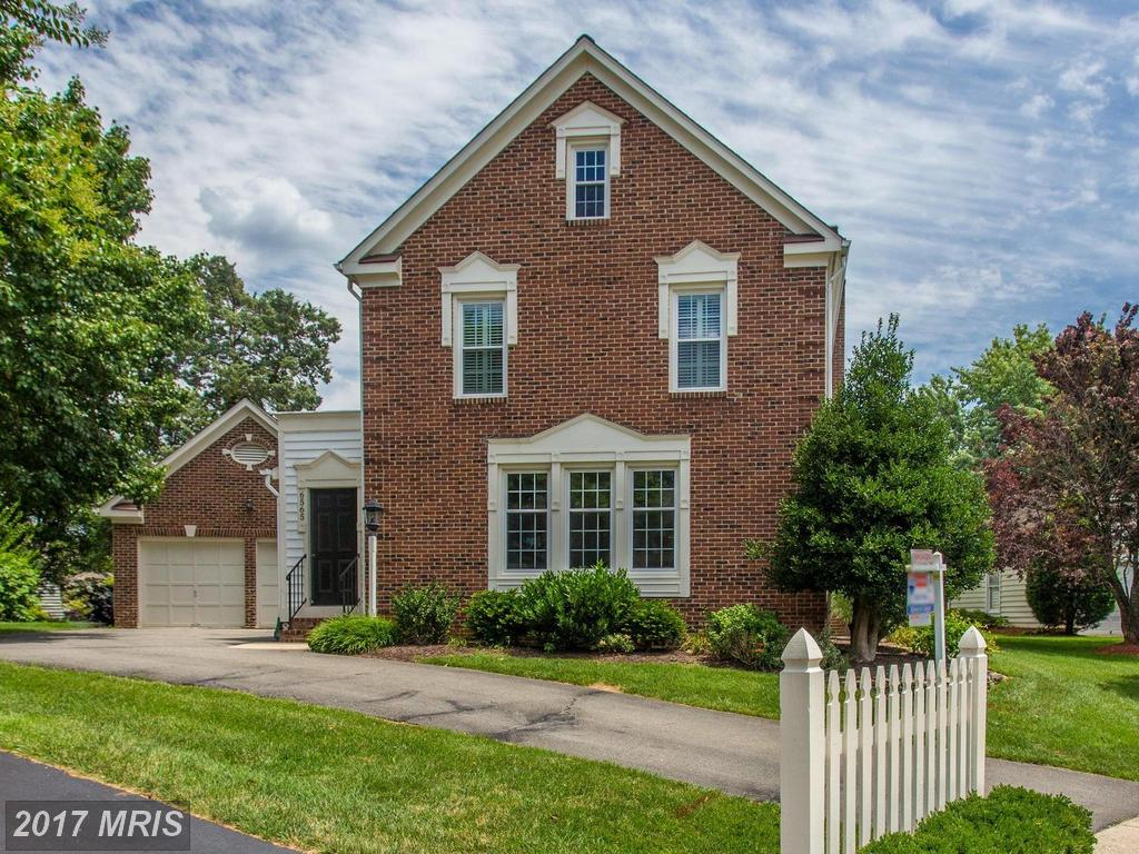 A well maintained home in a picture perfect neighborhood at Charleston Collection in Springfield thumbnail