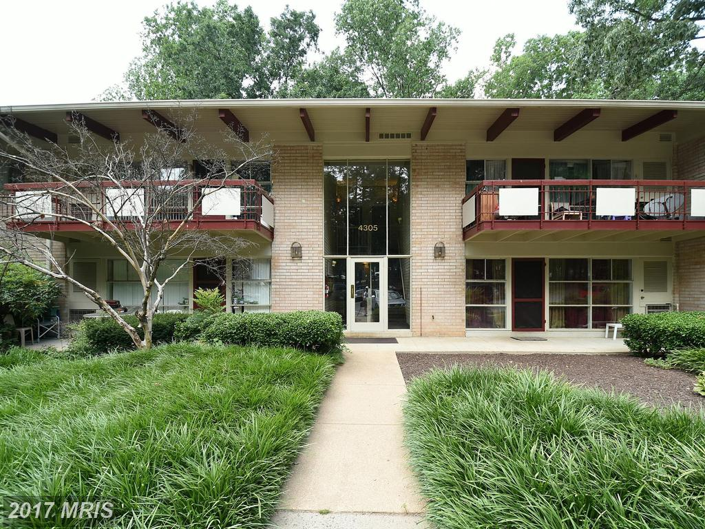 Bright and updated 2 Bedroom Condo inside the Beltway at Fairfax Heritage in Annandale thumbnail