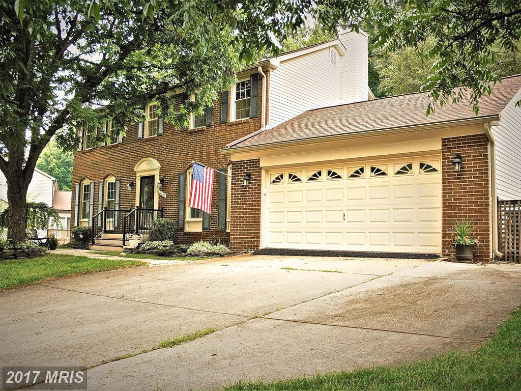 Well-kept, Updated and Charming 5 Bedroom Brick-front Colonial at Cherry Run in burke thumbnail