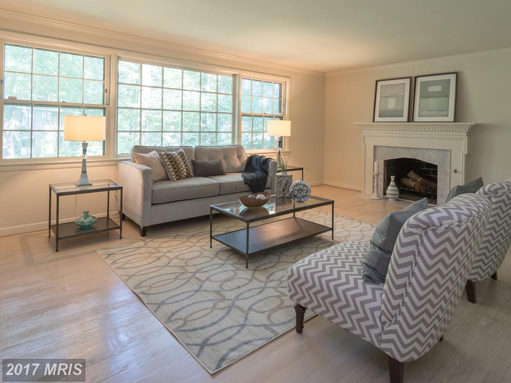 Real Estate In Oakridge, And Oakton Elementary Schools District In Arlington County thumbnail