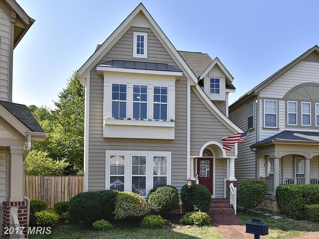Gorgeous Renovated smarthome with Luxury finishes at Lorton Town Ctr Landbay in Lorton thumbnail