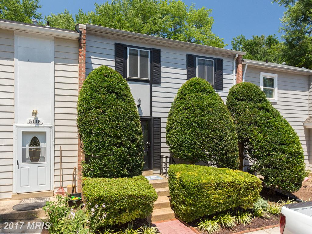 Beautifully Remodeled Townhouse in Desirable Location at Lake Braddock in Burke thumbnail