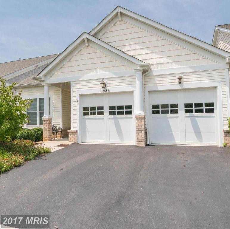 Stunning Bright 3 bedroom Single Family Home with 2 car garage in Spring Hill in Lorton thumbnail