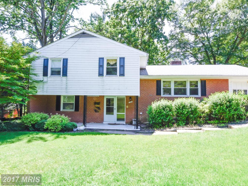 Beautiful home backing to the Springfield Golf & Country Club in sought-after West Springfield. thumbnail