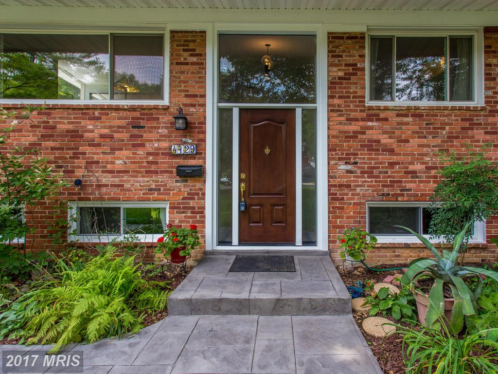 Charming 3 Bedroom Colonial Home at Forest Hills in Annandale thumbnail