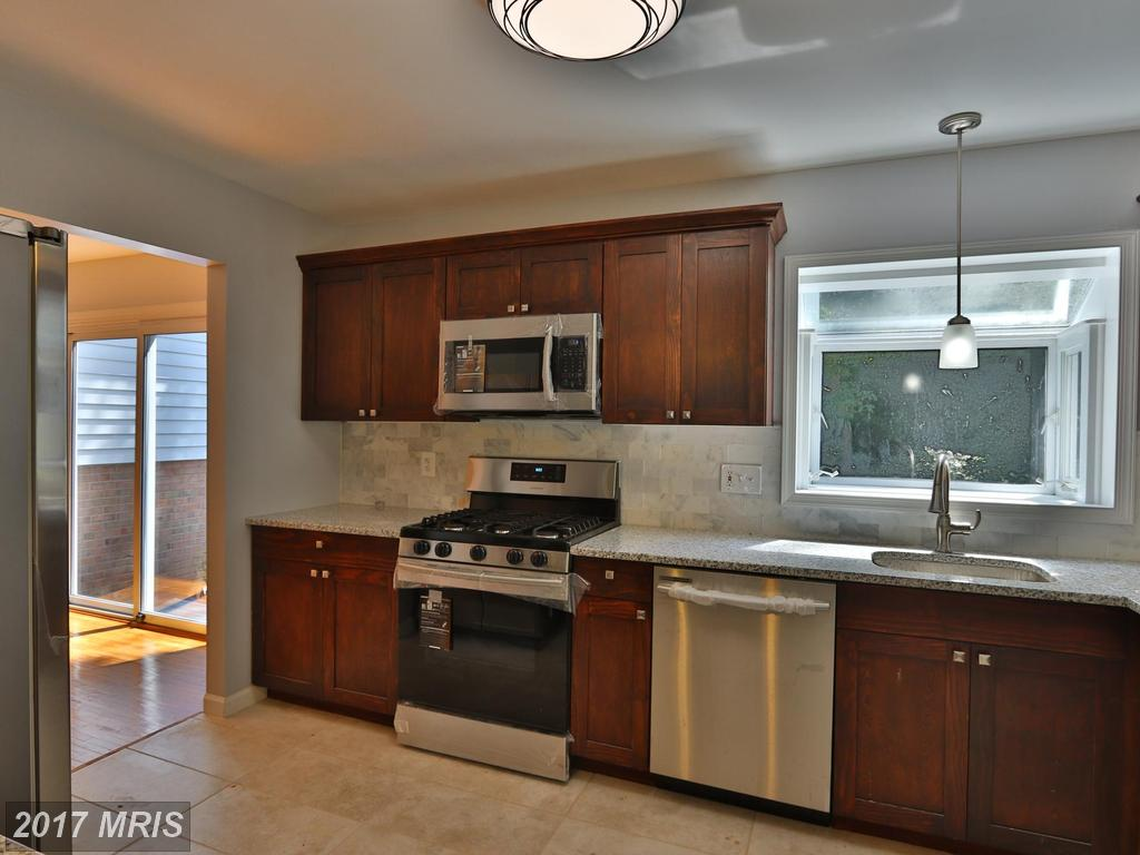 6623 Sandover Ct, Springfield, VA 22152