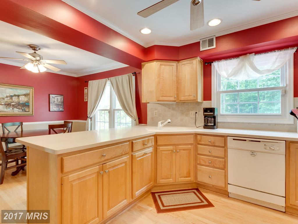 8329 Wrenford Ct, Springfield, VA 22152
