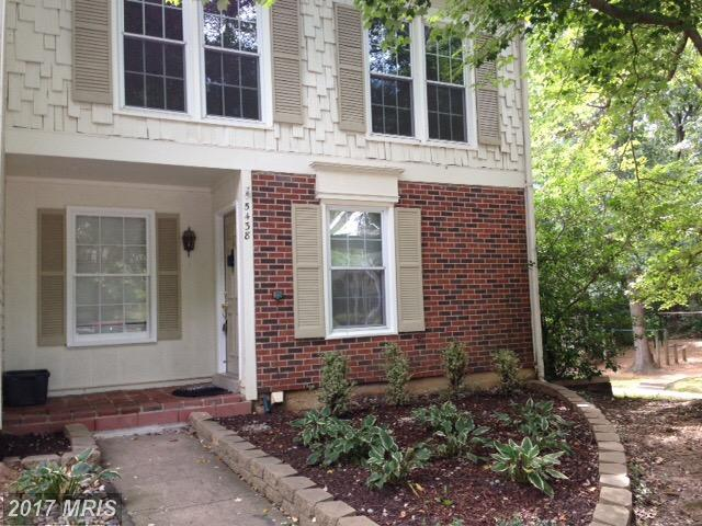 Charming 4 bedroom end-unit Townhouse which backs to Lake Royal at Glen Cove In Fairfax County thumbnail