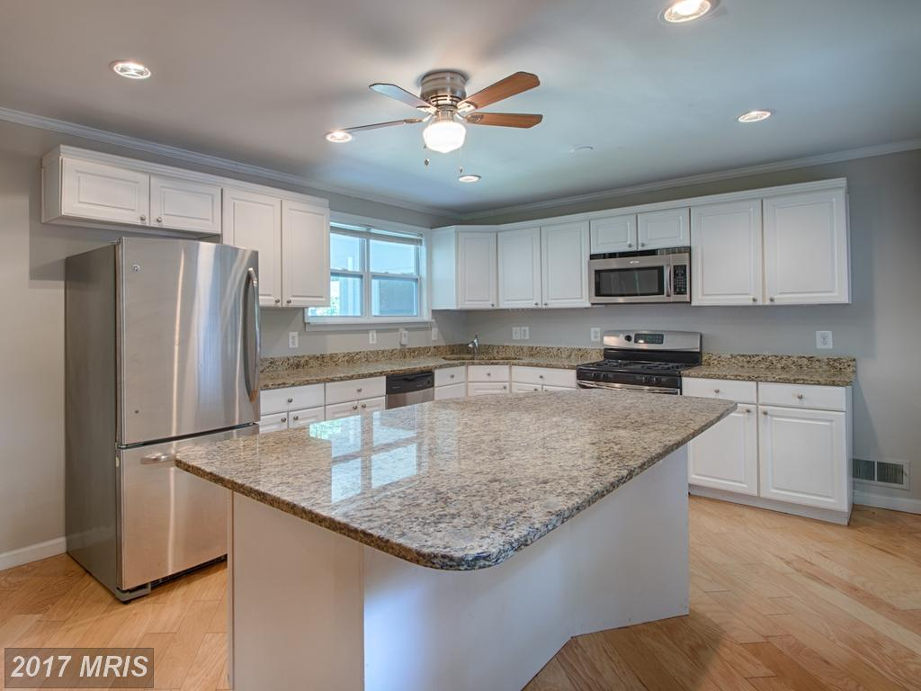 Totally renovated 5 Bedroom Split foyer Home in sought after West Springfield Village thumbnail