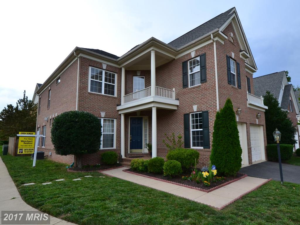 One of the largest Models in Lorton Valley. Corner Premium Lot, Must See in Lorton thumbnail