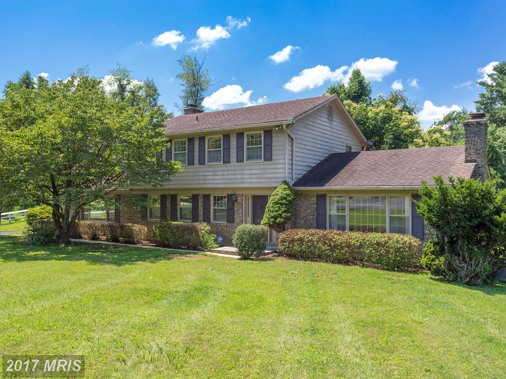 1200 Claude Ct, Great Falls, VA 22066