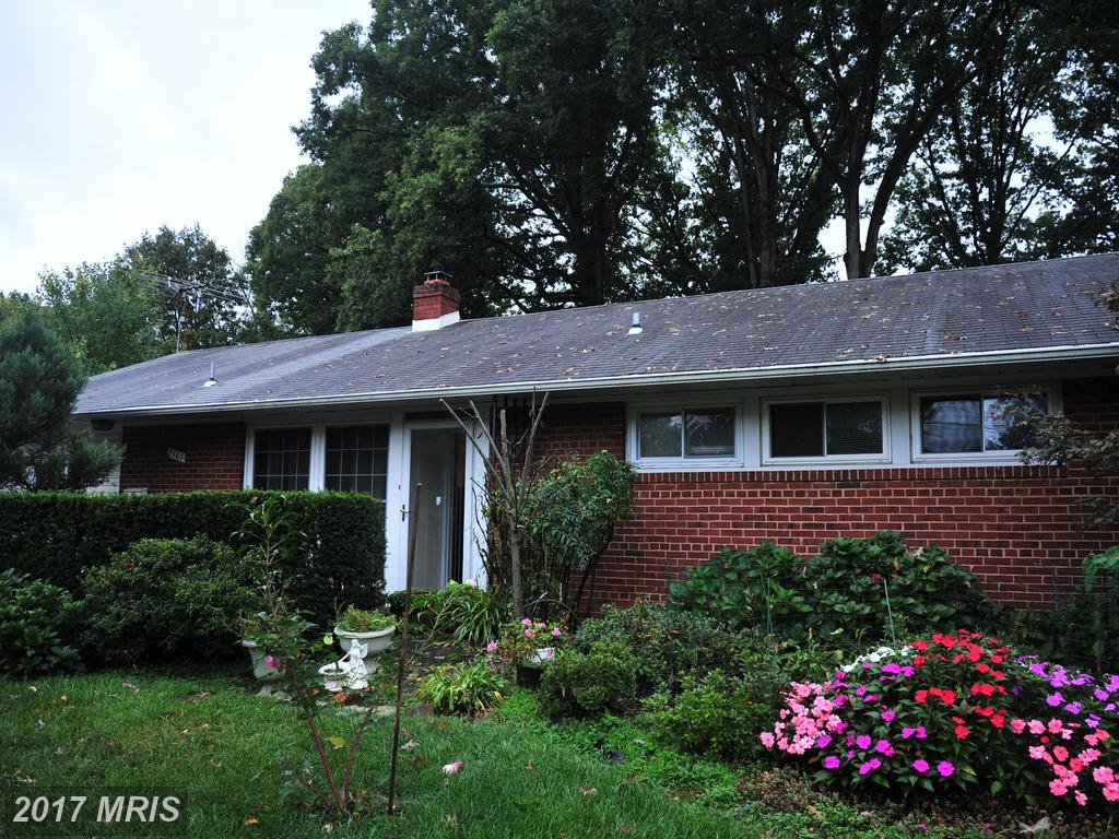 Welcome home to this single-family 3 bedroom Home in Springfield near Brookfield Park thumbnail