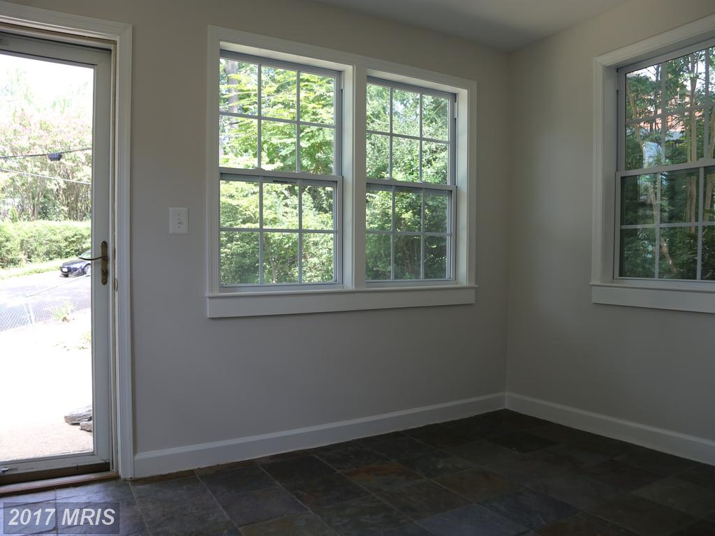 5823 Monticello Rd