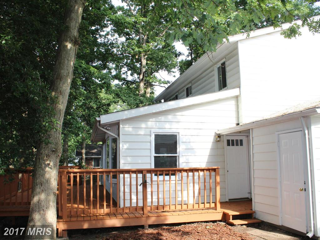 6816 Rolling Rd, Springfield 22152