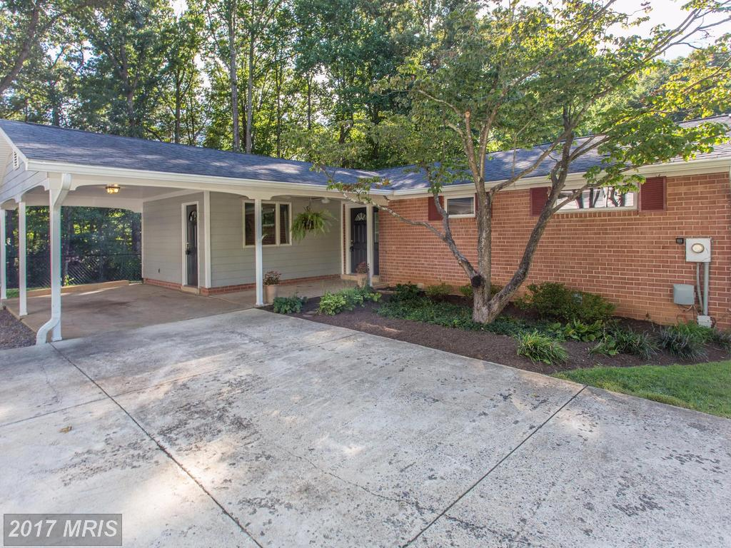 5338 Gainsborough Dr, Fairfax, VA 22032