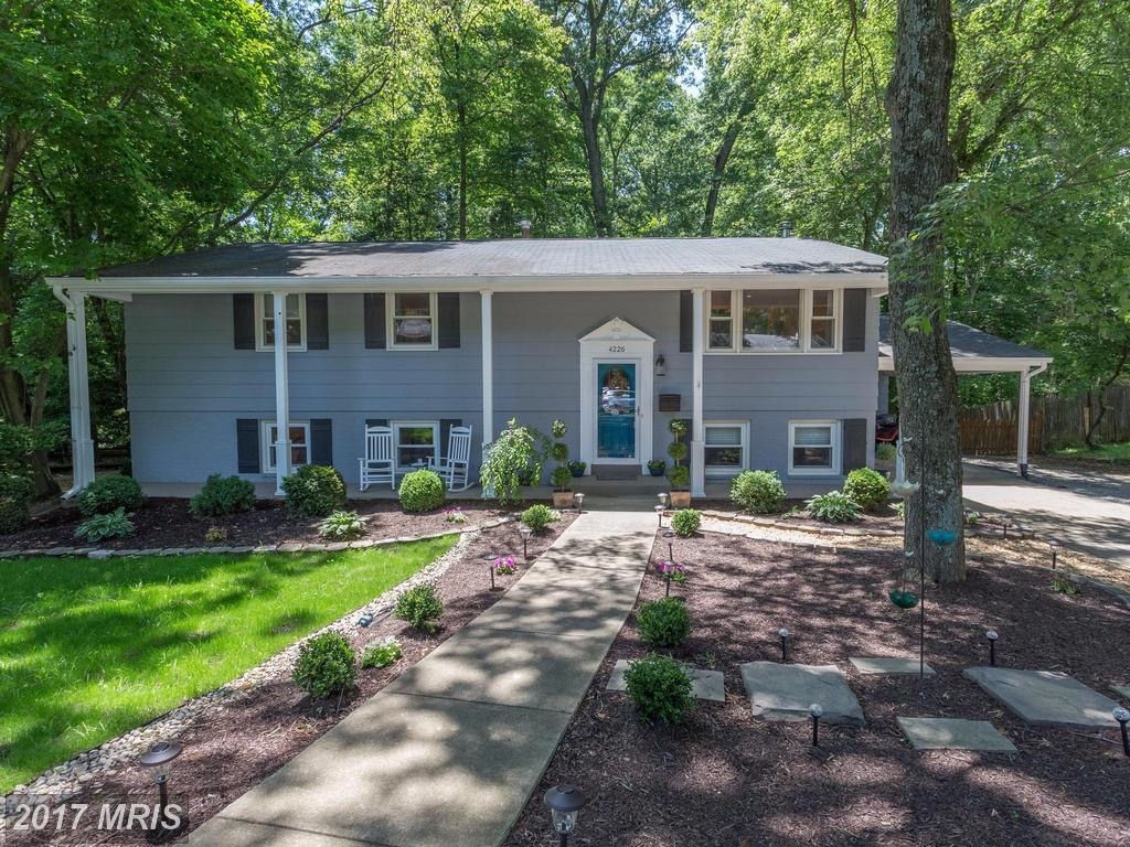 Stunning and Pristine Colonial Style Home at Springbrook Forest in Fairfax thumbnail