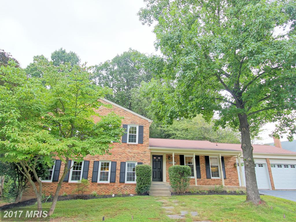 4 Bedroom Split level home Situated in a serene setting at Silverbrook Houses in Fairfax thumbnail