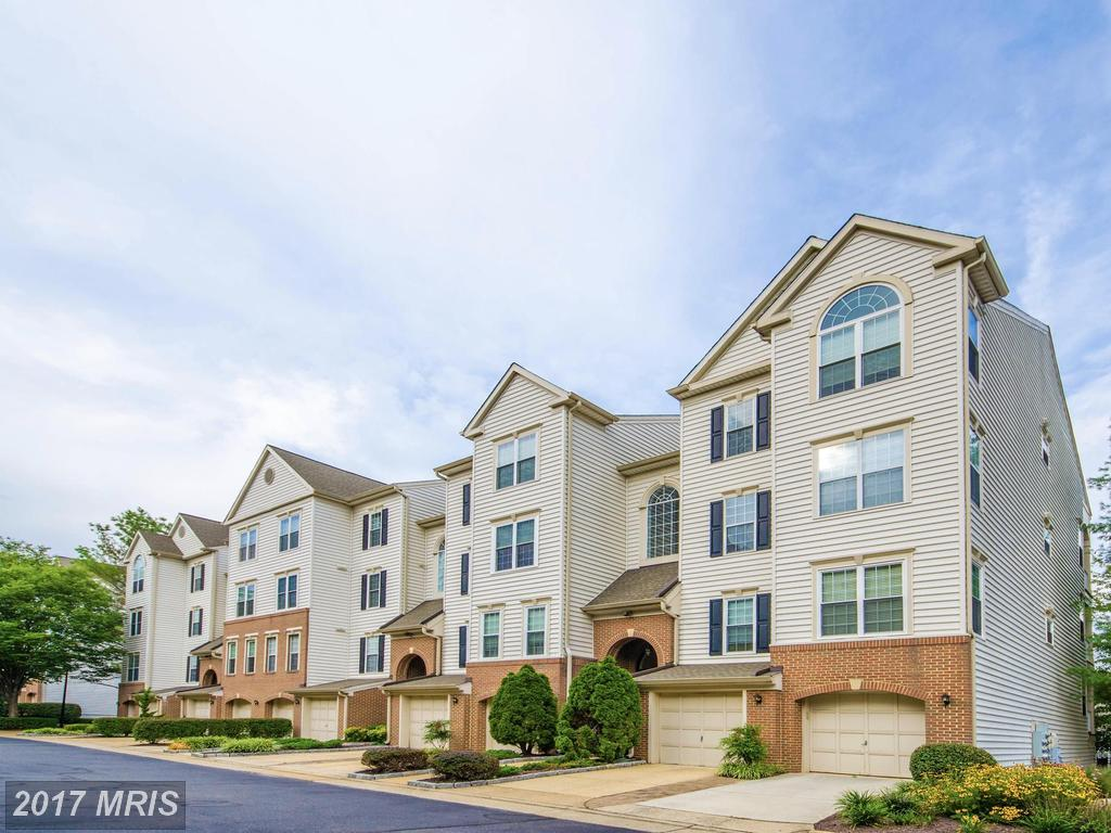 Are You Looking For A Garden-Style Condo In Alexandria's Zip 22311 For Around $259,900? thumbnail