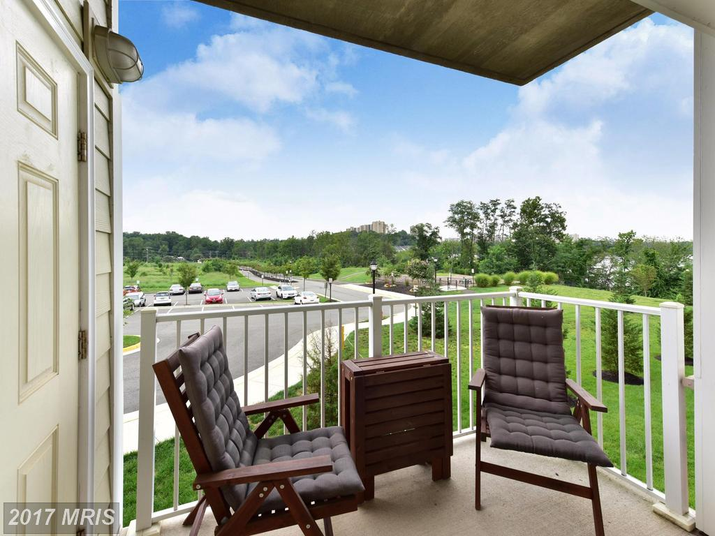Photos And Prices Of Mid-Rise Condos In Fairfax County At Isabella At Monticello Mews thumbnail