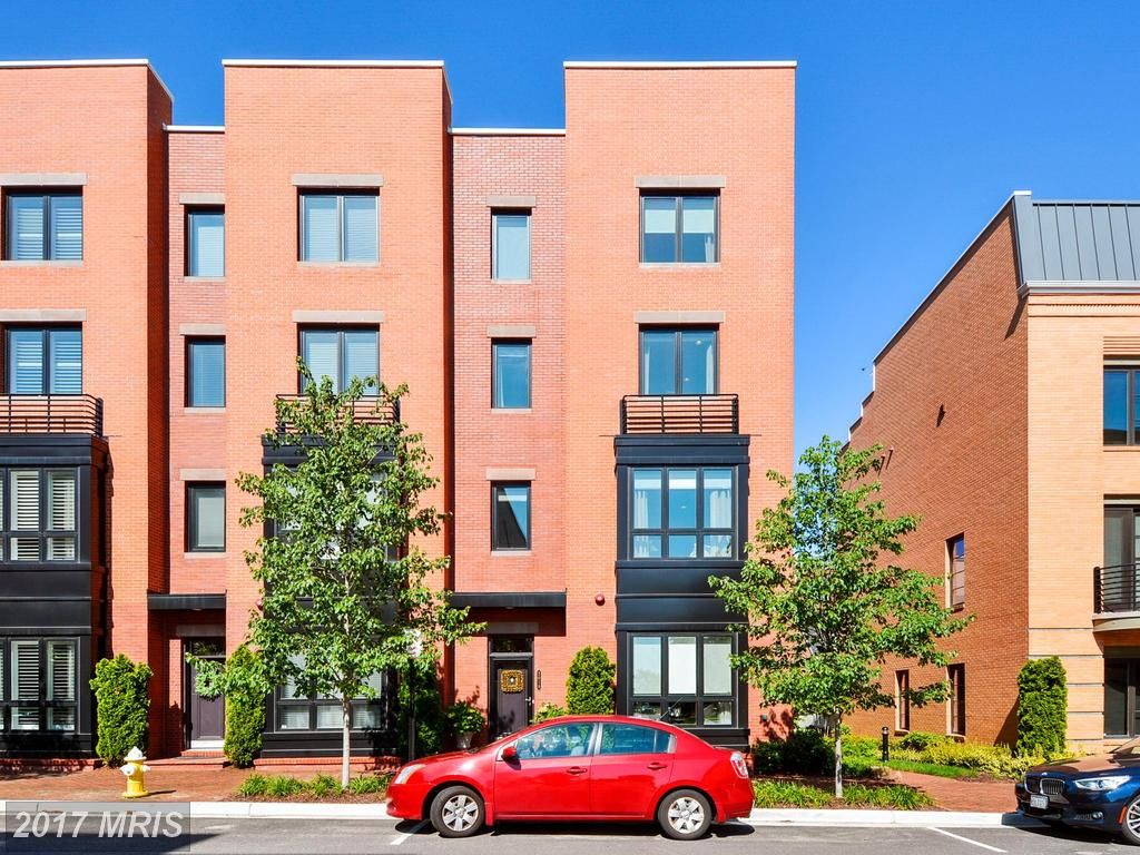 Stuart Nesbitt Can Help You Buy In A Semi-Detached Home In Potomac Yard thumbnail