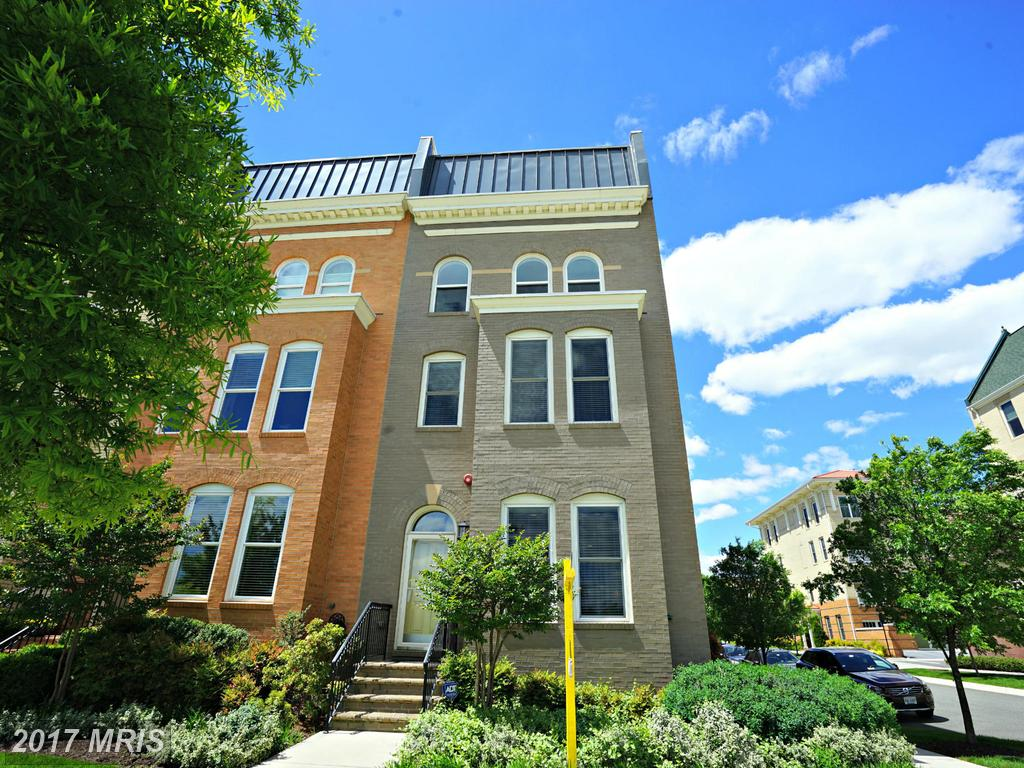 What Choices Are There For Buyers Seeking A $924,990 Townhouse In Alexandria? thumbnail