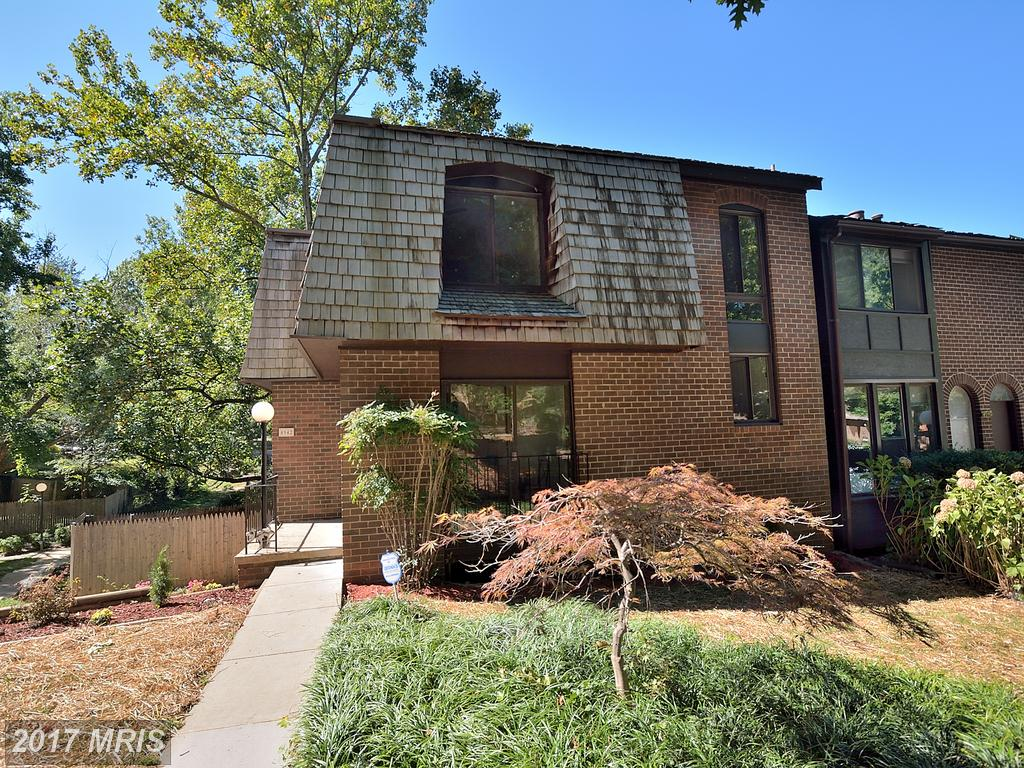 This Stunning Townhouse was Just Listed In Americana Fairfax in Annandale thumbnail