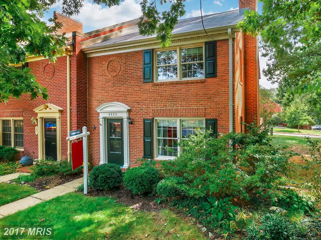 Beautiful brick 3 Bedroom updated End Unit Townhouse at Charlestown In Springfield thumbnail