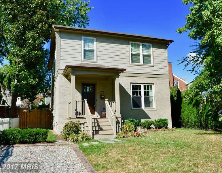Location & Style!! Remodeled 3/2.5 In Alexandria Virginia thumbnail