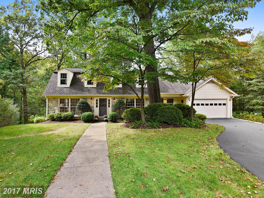 Find A 5 Bedroom House In McLean For $1,325,000 thumbnail