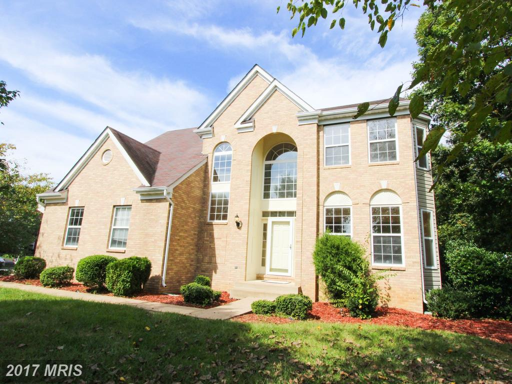 14500 Picket Oaks Rd, Centreville, VA 20121