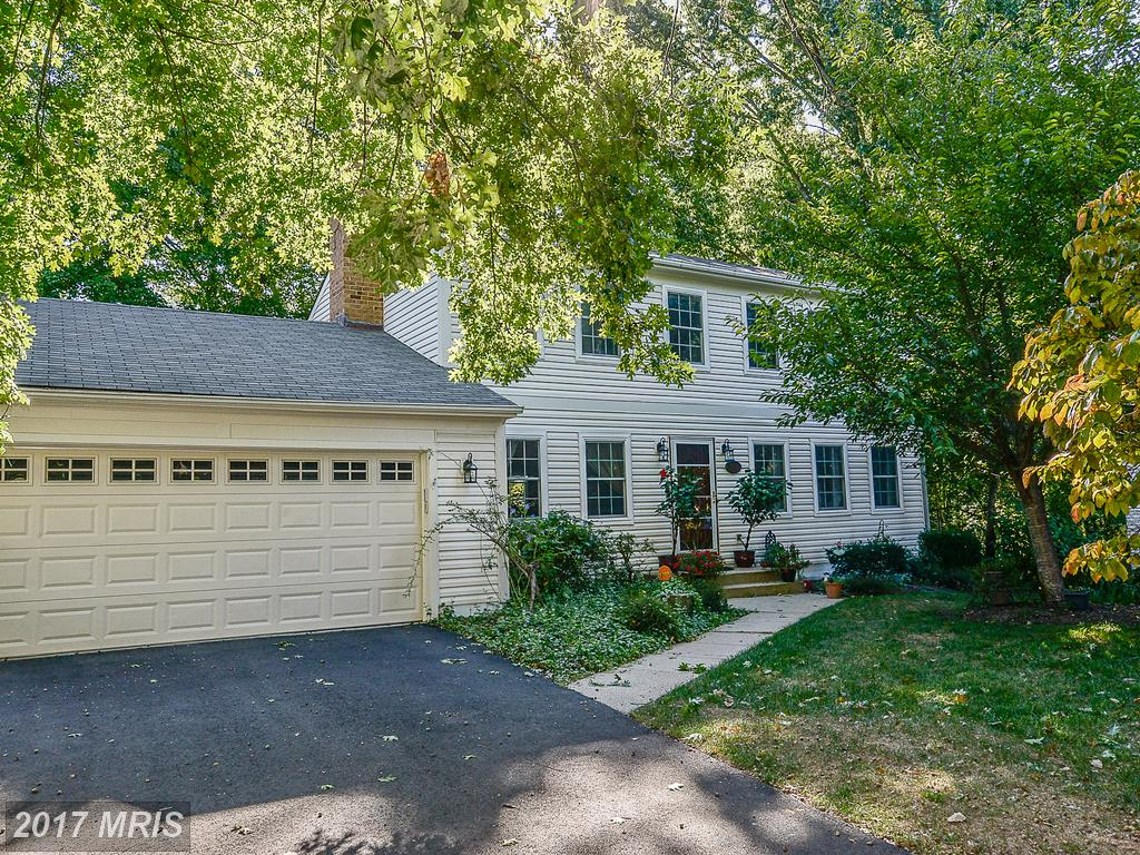 5607 Wood Thrush Ct, Fairfax, VA 22032