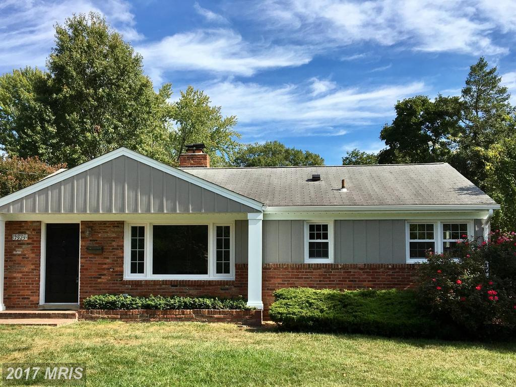 $539,000 :: For Sale At Hollin Hall Village In Fairfax County thumbnail