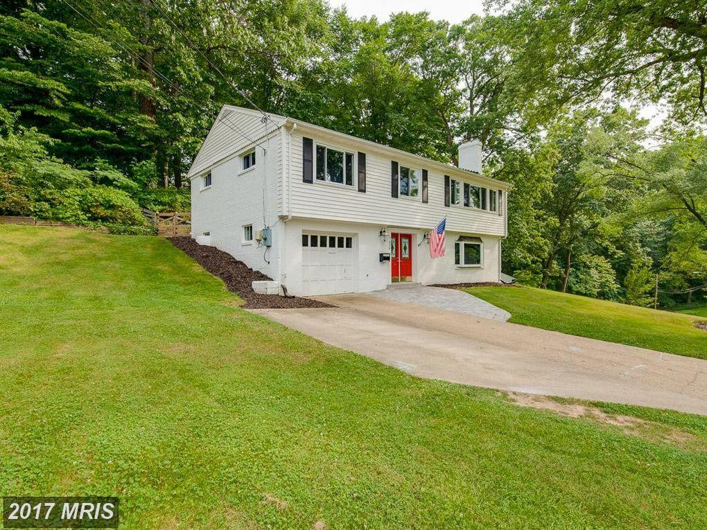 Beautiful 4 Bedroom Home renovated From top to bottom in Springfield thumbnail