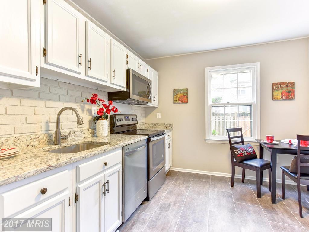 Why Does Alan Clerinx Love Being An Expert On Townhouses Like 8467 Brainerd Ct In 22153? thumbnail