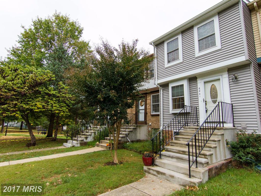 Save $1,395 On 2 BR / 2 BA Townhouse In Fairfax County thumbnail