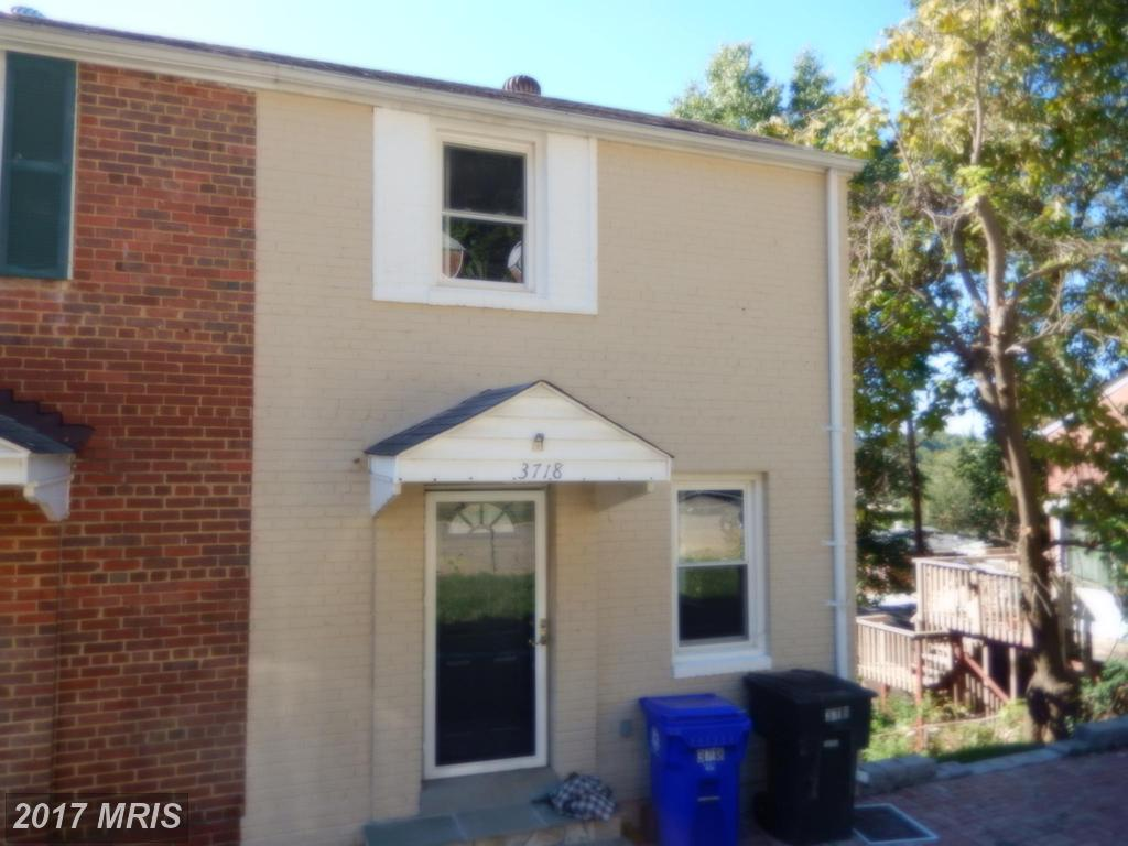 Julie Nesbitt's Suggestion For Home Shoppers Seeking A 3 BR Duplex For Sale In 22206 thumbnail