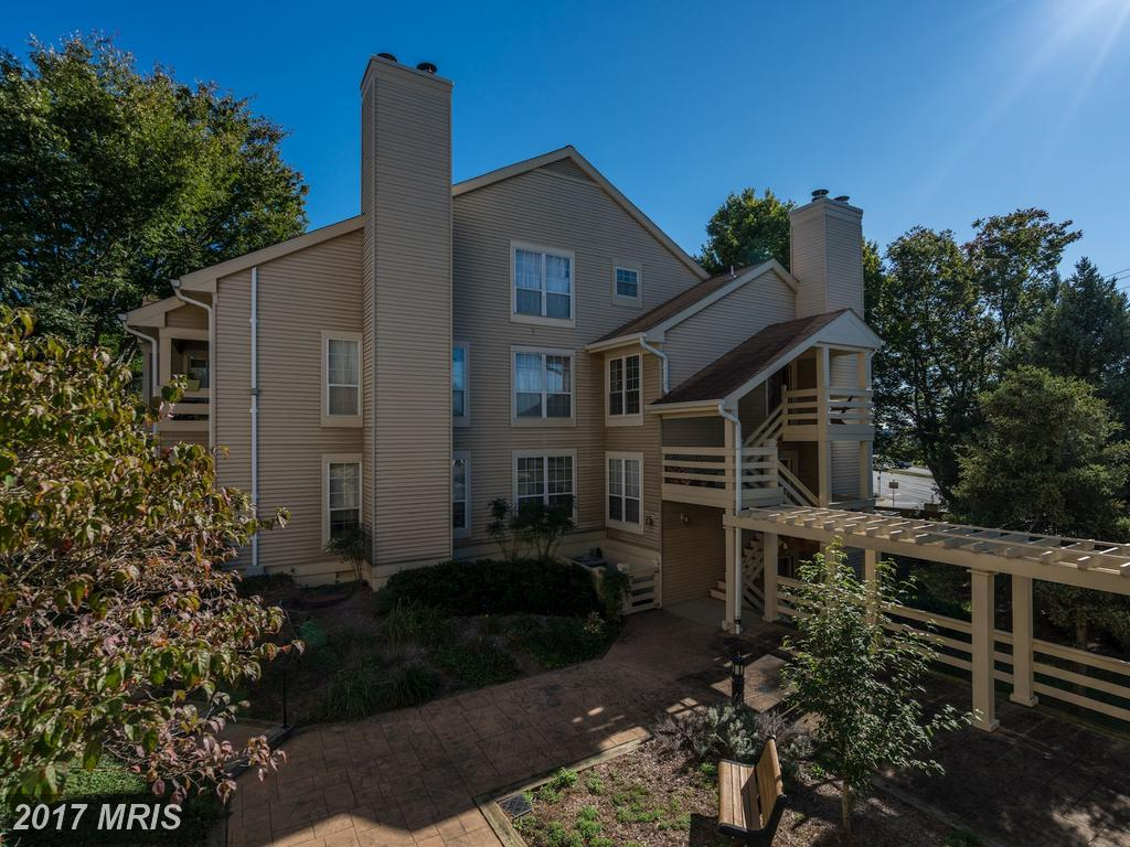 $330,000 For A 2 Bedroom Colonial In 22312 thumbnail