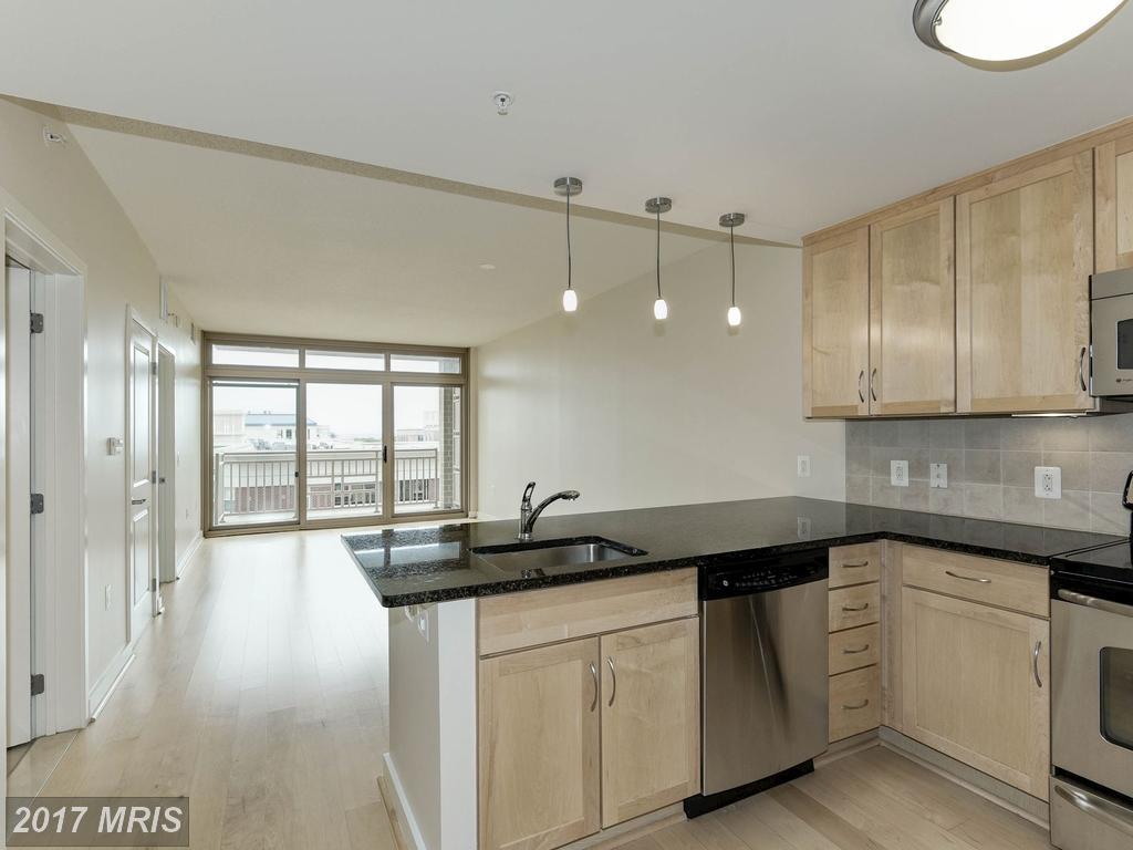 Interesting High-rise Condo For Sale In Arlington, VA thumbnail