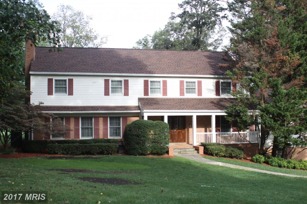 5 Beds // 4 Full Baths - 1 Half Baths // $985,000 In Northern Virginia At Fairfax Country Club Est thumbnail