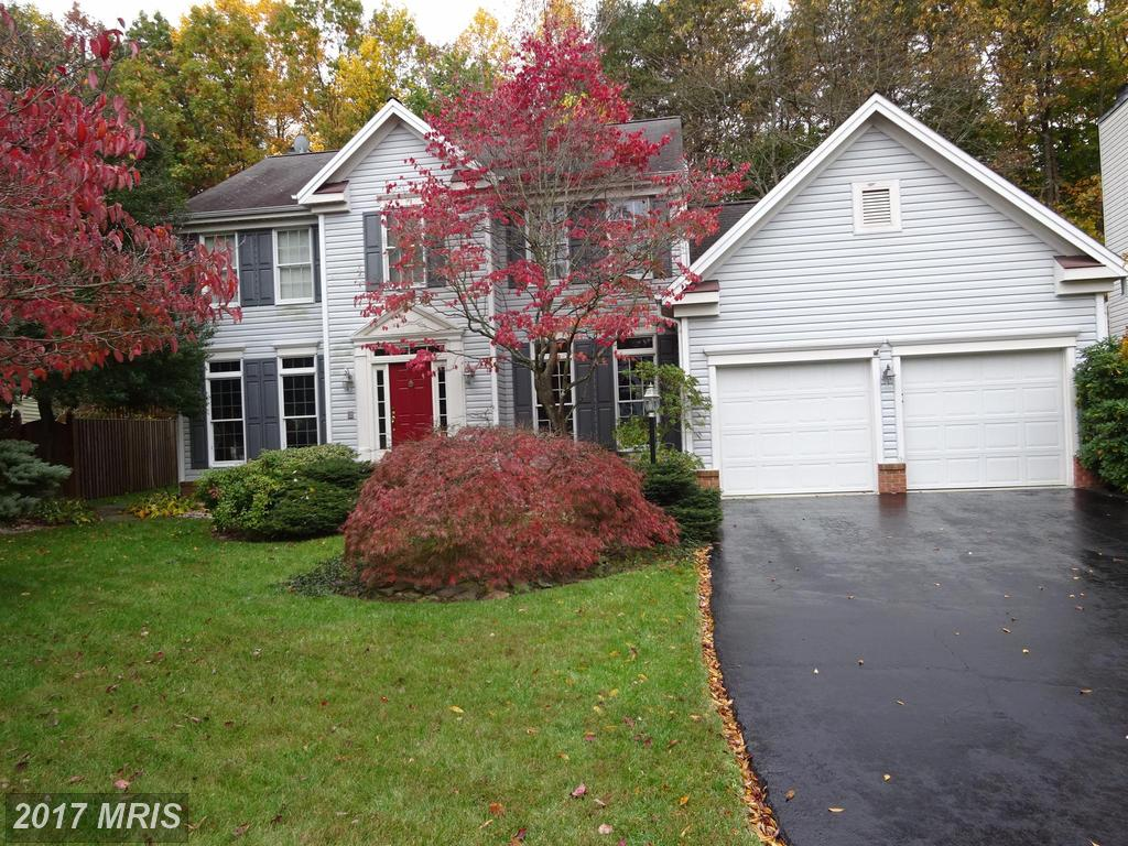 3937 Leaf Lawn Ln, Woodbridge, VA 22192