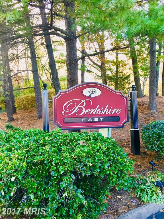 5956 Berkshire Ct, Alexandria, VA 22303