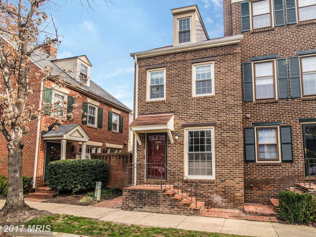 2 BR / 2 BA Colonial Listed At $619,000 In Alexandria thumbnail