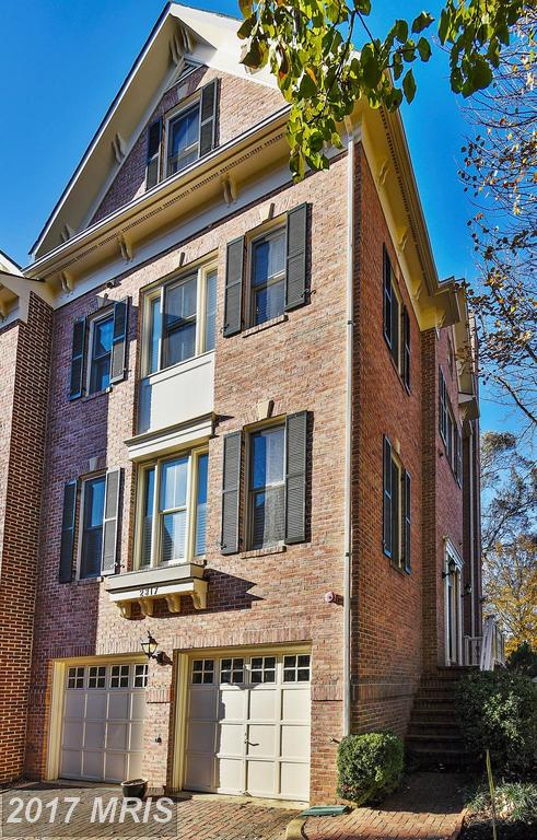 Attributes Of Arlington To Consider When Buying A $925,000 Townhouse Like 2317 Van Buren Ct N In Fenwick Park thumbnail