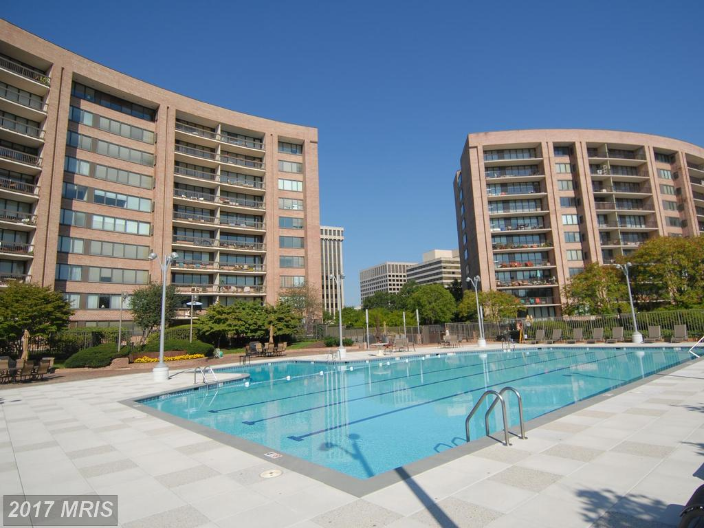 Shopping $529,000 1-BR High-Rise Condos In Crystal Park? thumbnail