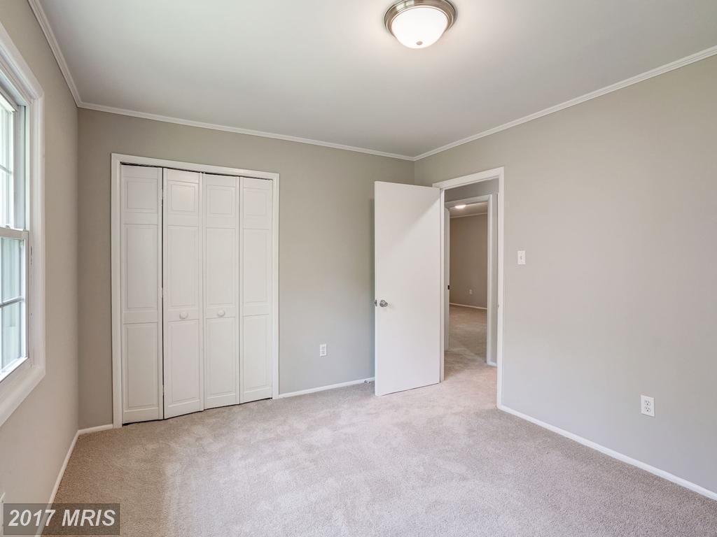 13116 Penndale Ln, Fairfax 22033