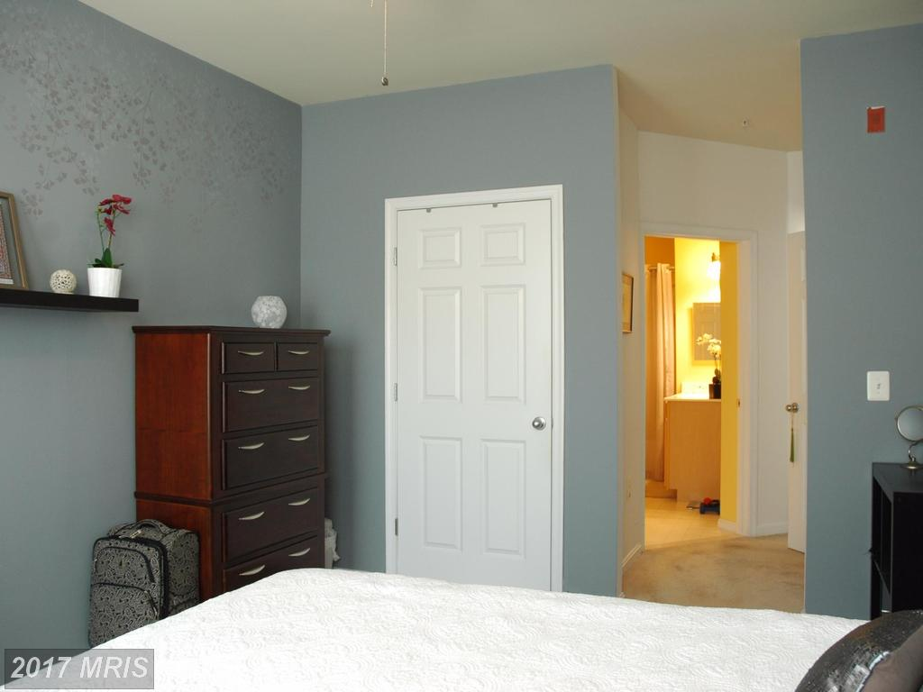 Photo of 2465 Army Navy Dr #1-202