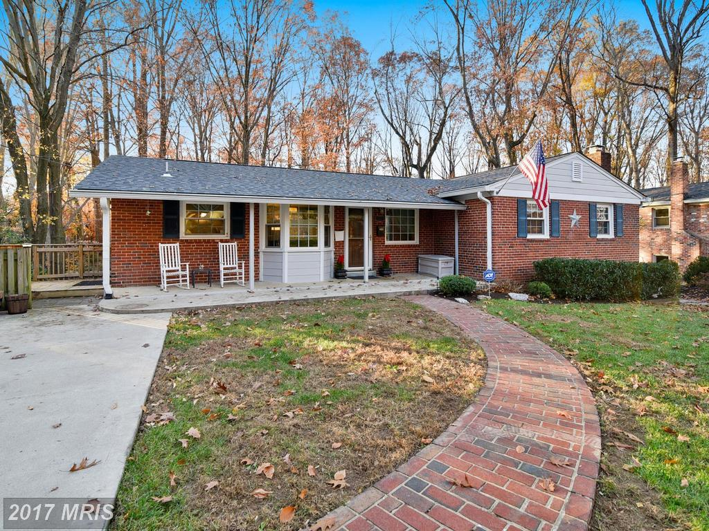 Julie Nesbitt Loves Selling Houses In Annandale thumbnail