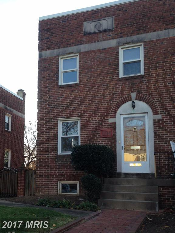 1,168 Sqft Row Houses For $575,000 In The City Of Alexandria thumbnail