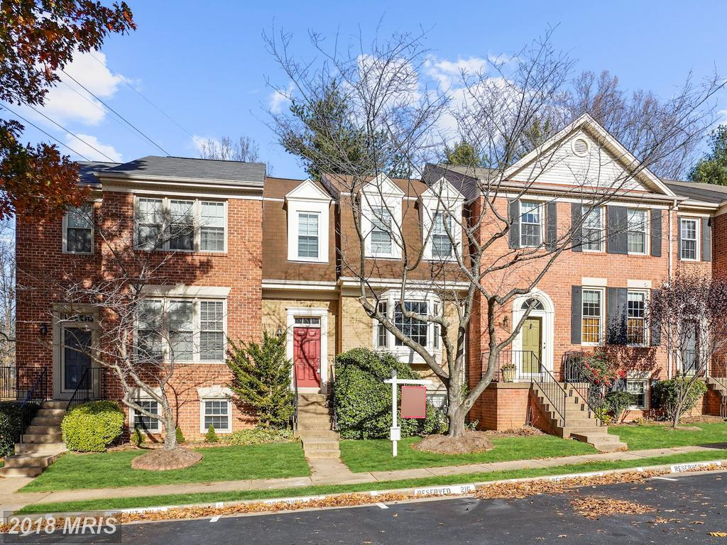 This 3 Bedroom Home In 22033 In Fairfax County is Advertised For $422,000 At Fair Ridge thumbnail